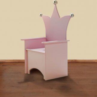 Kinderstoel met kroon